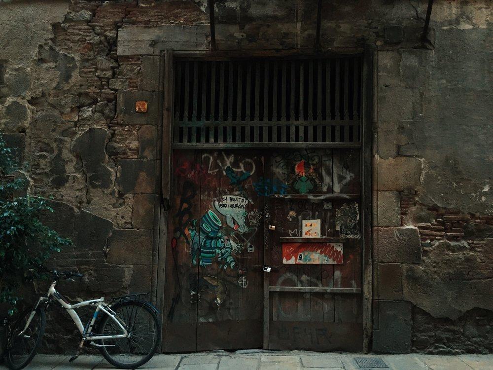 barcelona-gothic-street-art.jpg