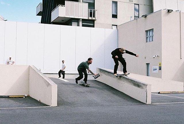 Switch boardslide 💨💨 team rider @brettroyden 📸 by @gooch_street @lushproductions