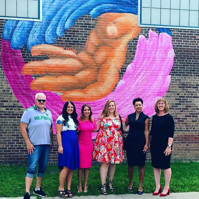 The official unveiling of my mural was today. Thank you so much to the #chemungcountychamberofcommerce and to #ywcachemungcounty for this opportunity #publicart #communityart