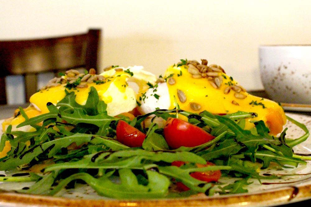 eggs benedict2.jpg