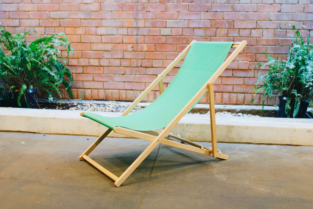 AVIDEAS-INVENTORY-Green Canvas Deck Chair.jpg