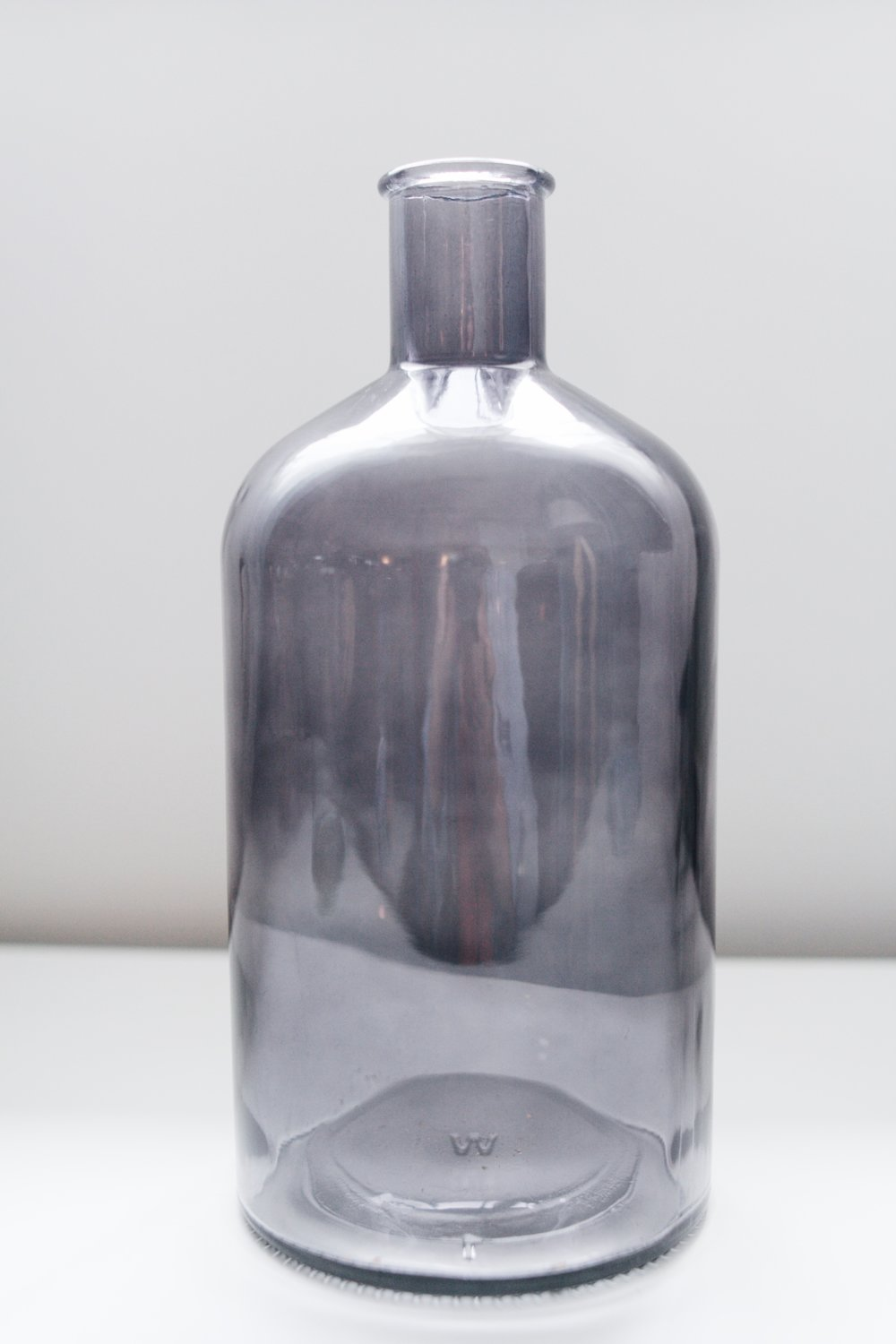 avideas-inventory-vessels-blacksmokeglassbottle-LRG.jpeg