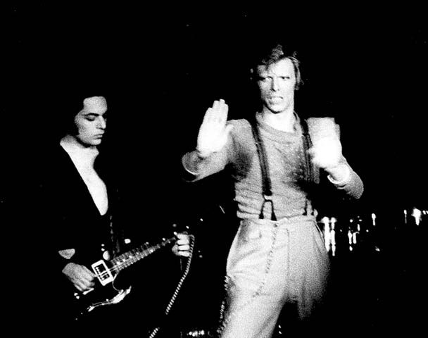 Earl-Slick-and-David-Bowie-have-been-playing-music-together-for-years.jpg