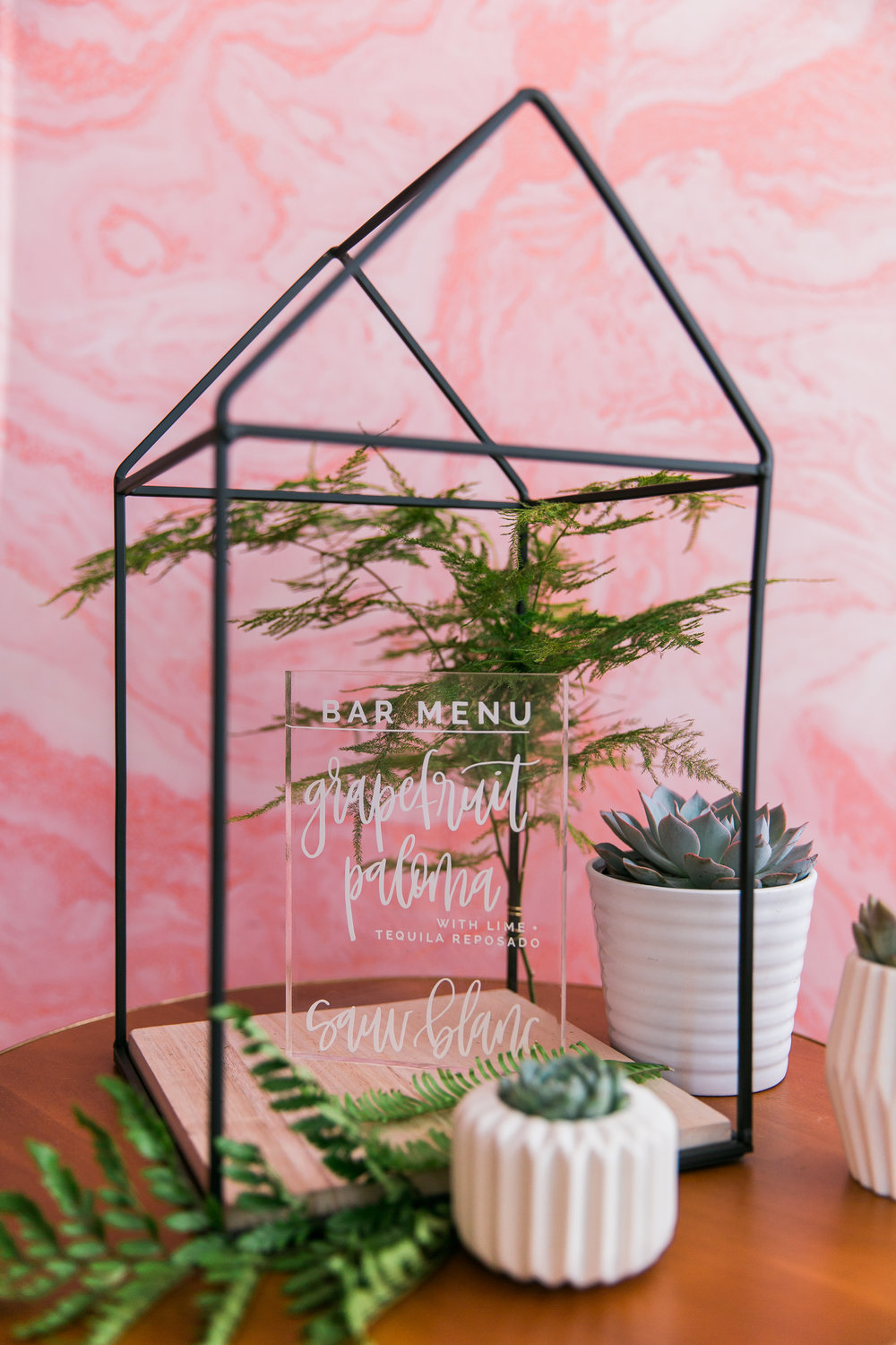 COLORFUL TRAVEL-INSPIRED STYLED SHOOT (LIGHT LAB)