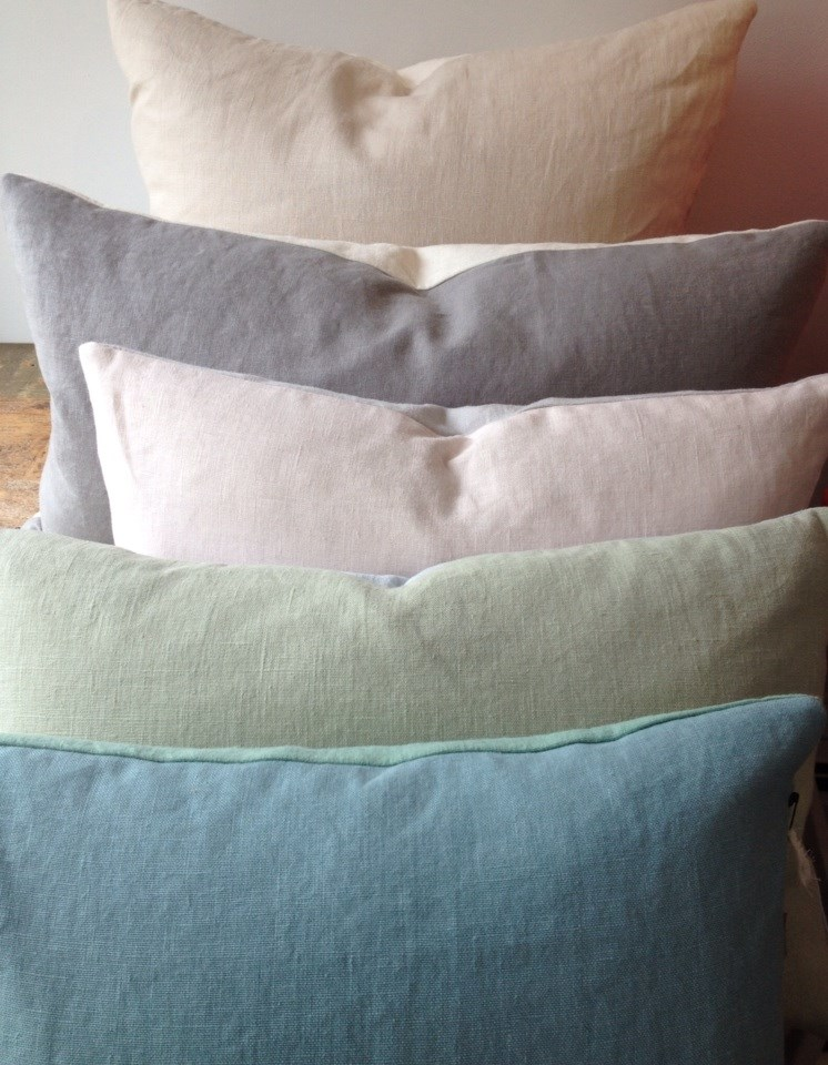 the generous beauty of simple two-tone linen pillows