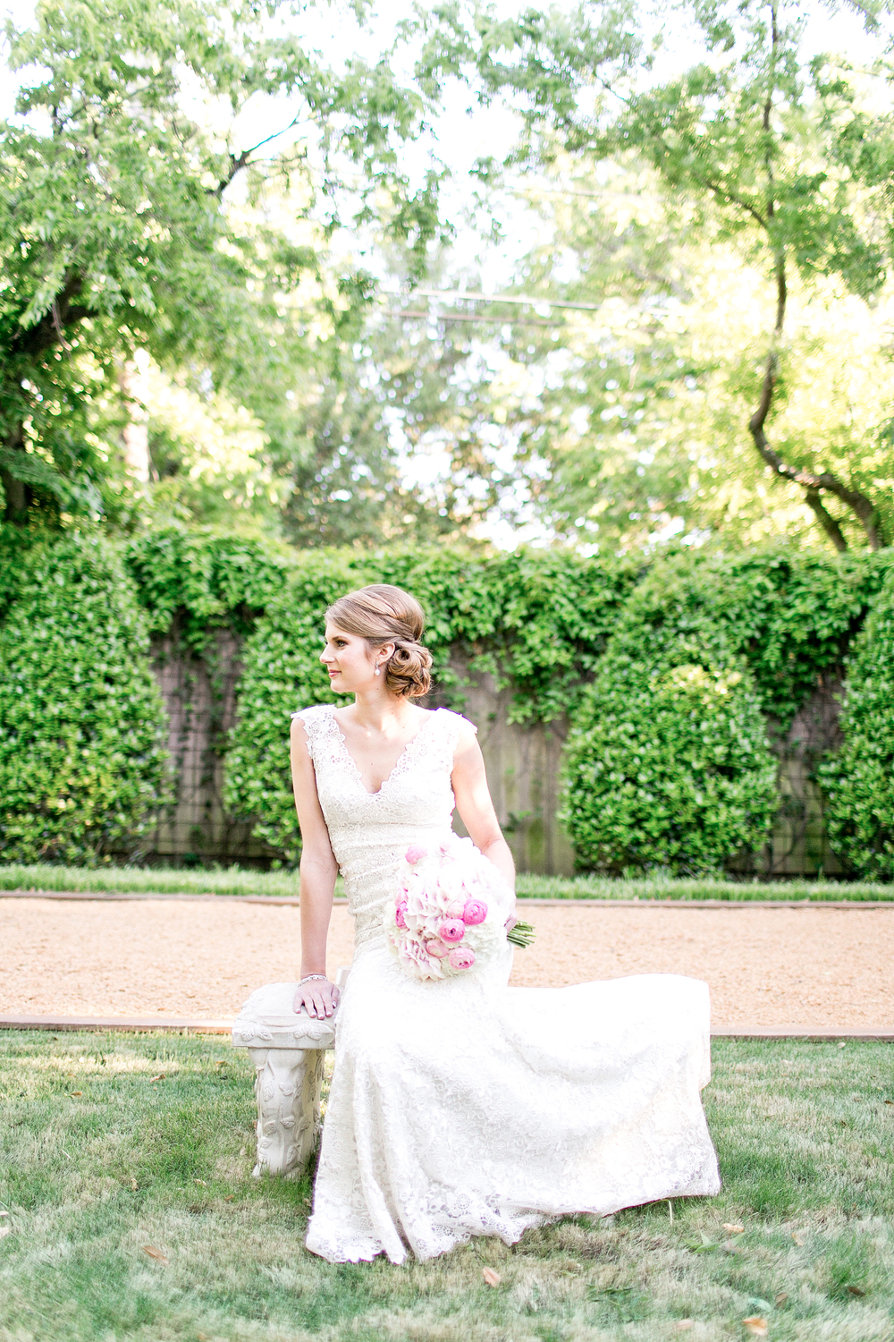 COURTYARD BRIDALS: CHRISTINE