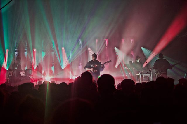 """Last Thursday at White Oak Music Hall, Portland-based Unknown Mortal Orchestra dropped by to turn my biological clock back 8 years and rocked the fuck out too."" Hit the link in our bio for Rico Vidales' recap of the @unknownmortalorchestra show at @whiteoakmh 📷: @brandonjclements  #deaddialect #unknownmortalorchestra #whiteoakmusichall #pegstar #houston #music #concerts #concertphotography #summer #show #umo"