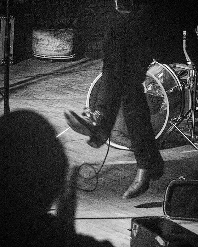 Hoppin' around. ⚡️ #folkmusic #lightninluke #boots #tambourine