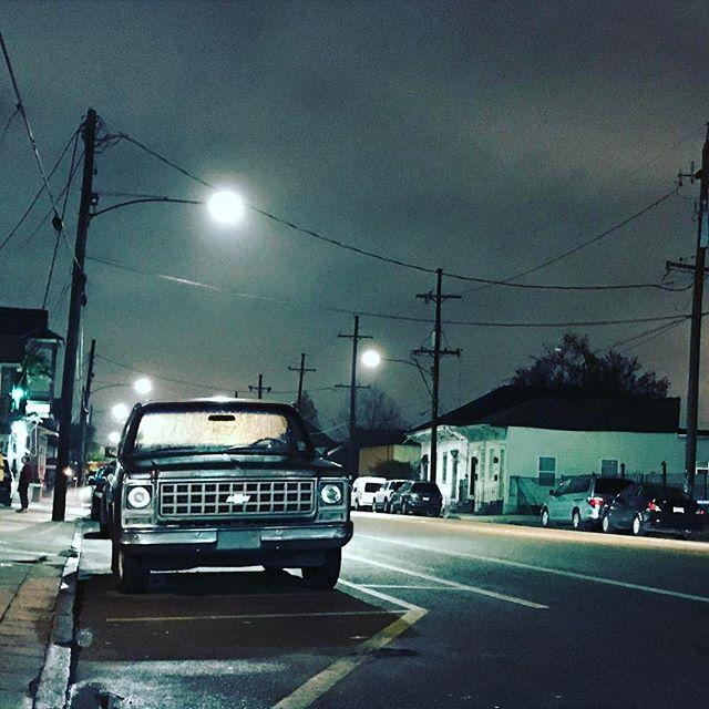 #latenightnola #heavy #chevy @sidneyssaloon #sexy #fog #hips #peaches #drinking #trucklife #7thward #stbernard
