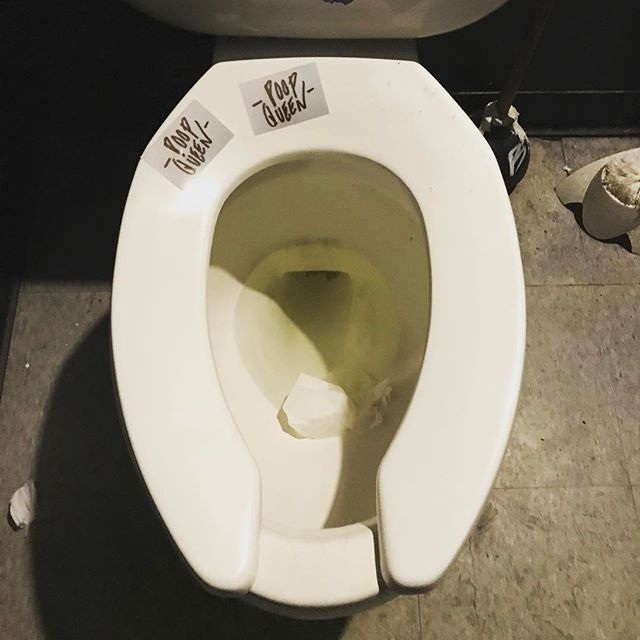Work life. @thejanak #poopqueen #poop #queen #toilet #flush #neworleans #barlife #worklife #bar #donttouchanything #7thward