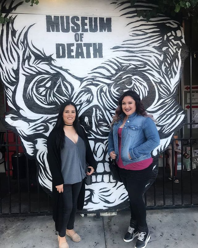 On our day off we visit museum's and end it with a drink. #museumofdeath #deathmuseum #touristforaday #teachersweekoff #notforthefainthearted #death #museum #hollywood #darkside #fascinated #bffs #sincesixthgrade #ccms #cchs #4ever #familynotfriends #amigas 👀💀☠👻👽🙈🙈