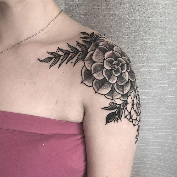 kelowna-customtattoo-tattoo-lakecountry-vernon-tattooedgirl-flowertattoo-hiromitattoo.jpg