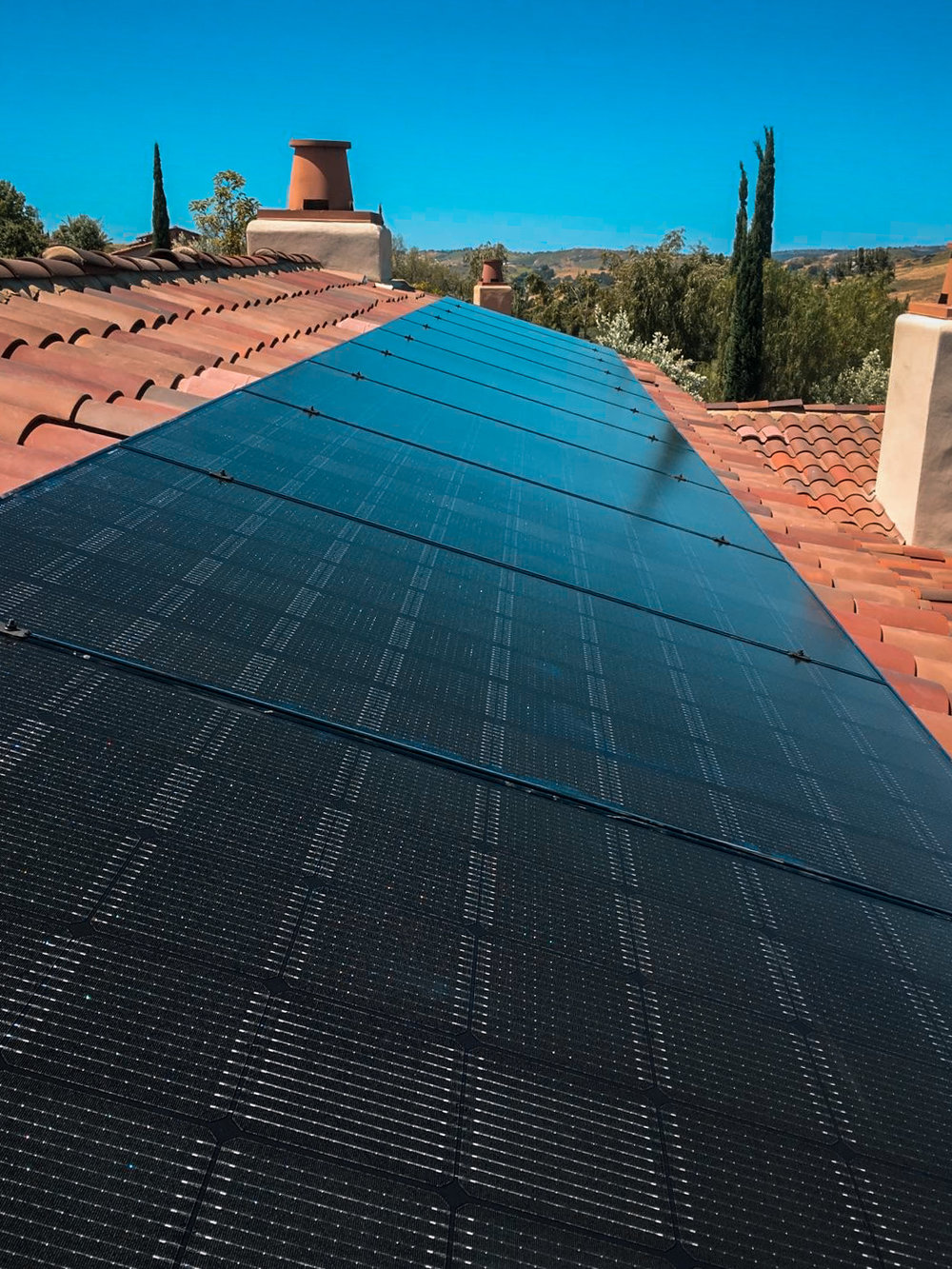 LADERA RANCH, CA - 24 high efficiency PV modules total to 7.2kWDC in Ladera Ranch, CA.  The system was commissioned in 2017.  The system is estimated to save the home owner $43,000 in electricity bills over the next 25 years.