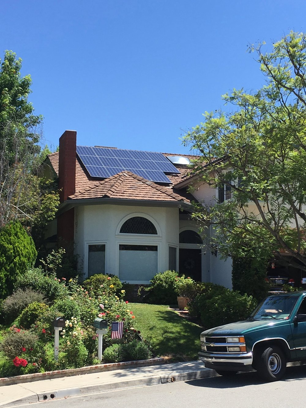 LAGUNA HILLS, CA - 30 high efficiency PV modules total to 10.8 kWDC located in Laguna Hills.  This system was commissioned in 2018 and is expected to save the Homeowner over $210,000 in electricity bills over the next 25 years.