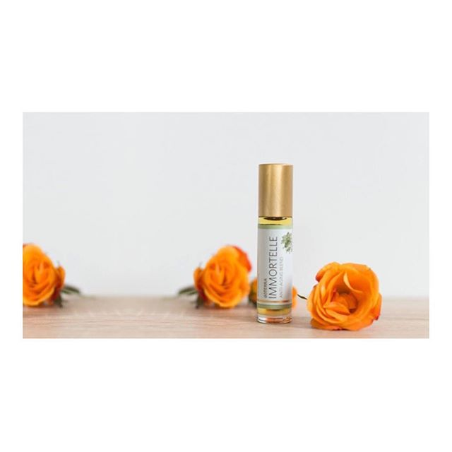 This gorgeous blend is made up of high vibe oils and grounding oils including frankincense, myrhh, sandalwood, lavender, helichrysum and Rose.  This is doTERRA's Anti- Aging Blend, And works beautifully as a skin care aid. I dilute it with fractionated coconut oil and roll it on my face and neck.  The combination of oils make it a beautiful emotional support. It will both ground and reassure you, excellent for meditation or journaling as you connect deeper.  Check out my latest blog post to see my complete list of 6 essential oils that all women should know about. (Click the link in my bio) :: :: :: #doterrainkenya #doterrainafrica #giftsoftheearth #plantbased #aromatherapy #specialoffers #doterrawellnessadvocate #everydayoils #getstartedtoday #wellnesswarrior #emotionsandessentialoils #emotionalwellness #journeytowellness #healersineveryhome #oneoilatatatime #holistichealth #womenswellbeing #essentialoilsforwomen #essentialoilstoolkit #essentialoilsforselfcare #selfcaretoolkit