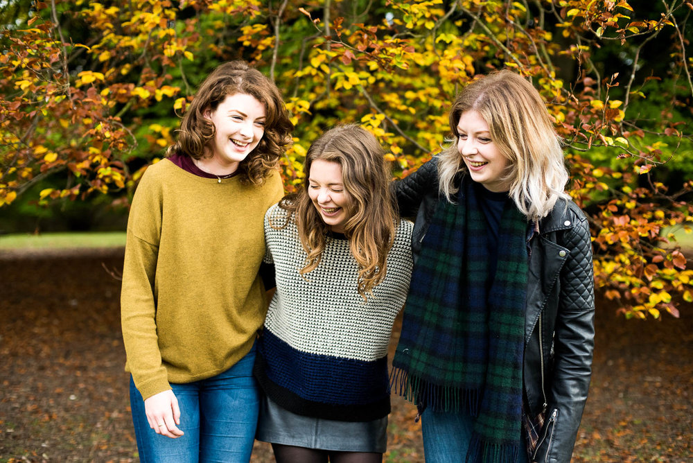 Family portrait with three sisters, Surrey family photographer