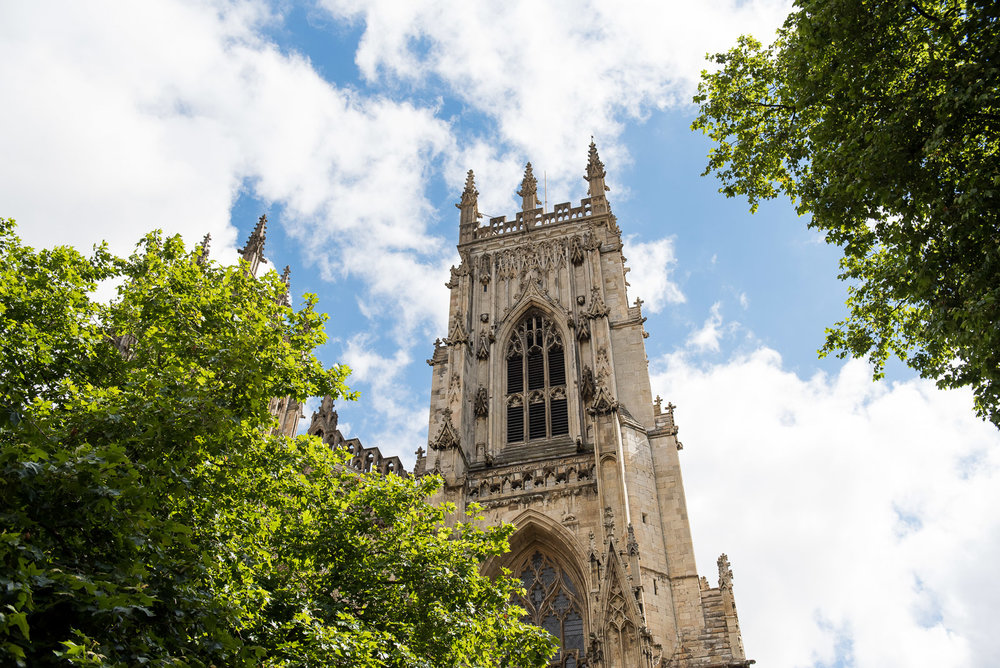 Relaxed wedding at the York Minster.