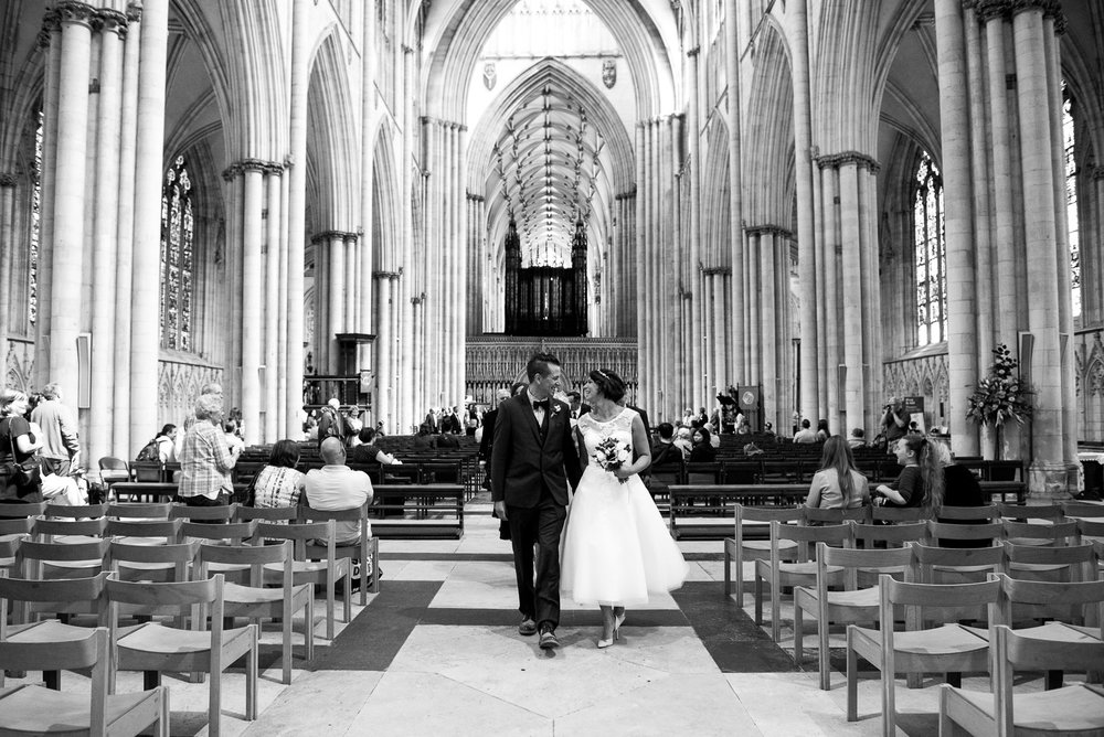 Elegant setting for a York wedding in the Minster. © Jessica Grace Photography
