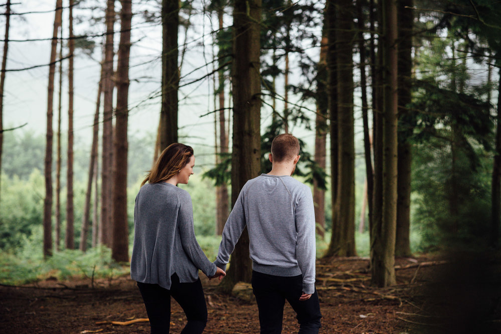 Relaxed and natural couples photography, Surrey UK © Jessica Grace Photography