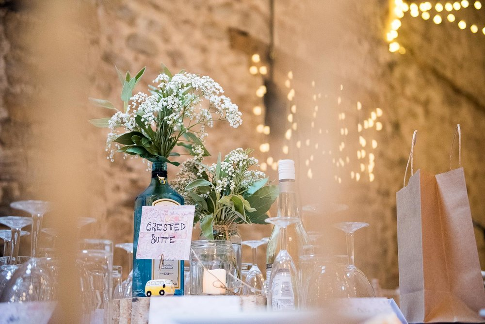 DIY rustic barn wedding centre pieces © Jessica Grace Photography