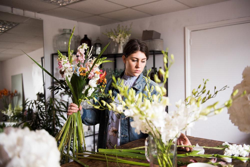 Wedding florist working in her studio © Jessica Grace Photography