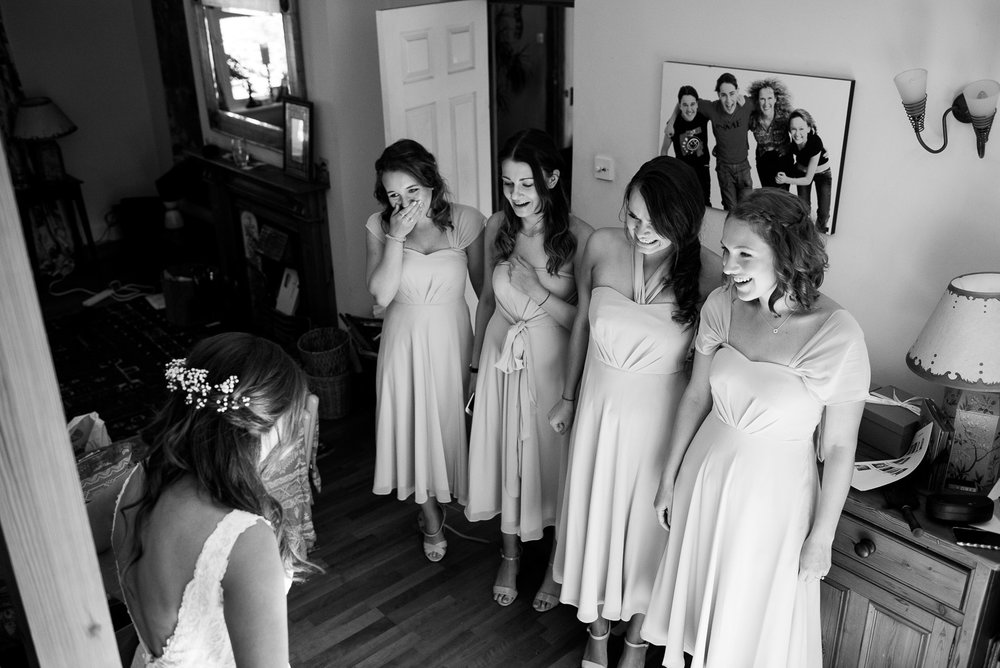 Bridesmaids reactions © Jessica Grace Photography
