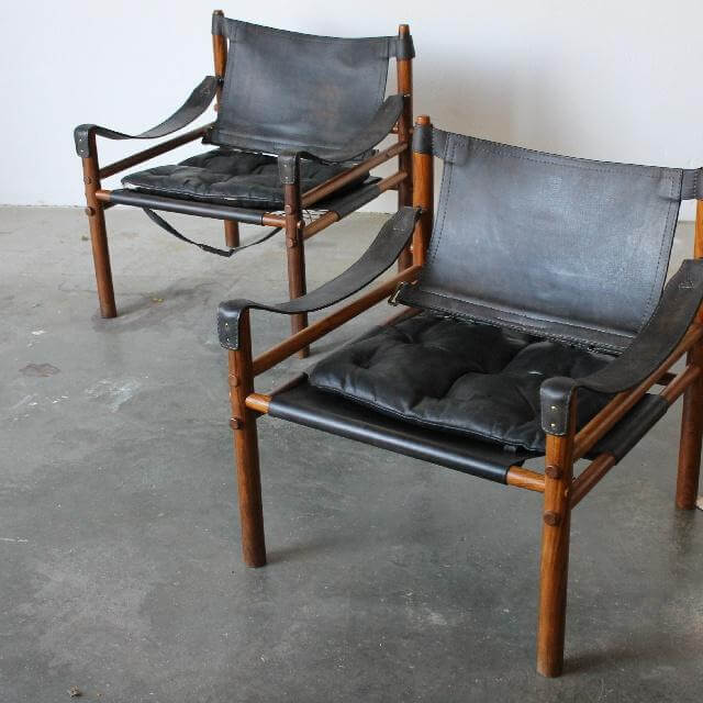 sort stol.jpg
