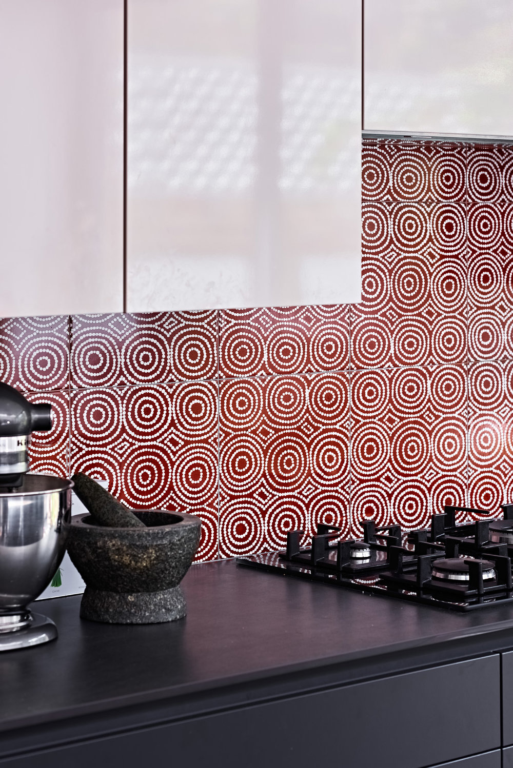 Celebrating british ceramic tiles in interiors bay gallery home our award winning bush onion 1 ceramic wall tile as a kitchen splash back dailygadgetfo Gallery