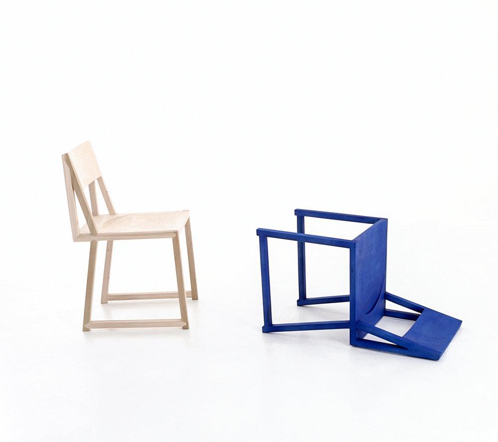 Dokter_Misses_Blue_Chair.jpg