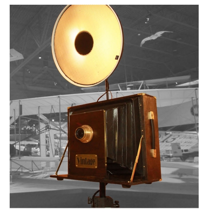 Vintage - Wisconsin's one and only Vintage PhotoBooth! It is an open-air photobooth with an antique and vintage look, perfect for your next event!$695