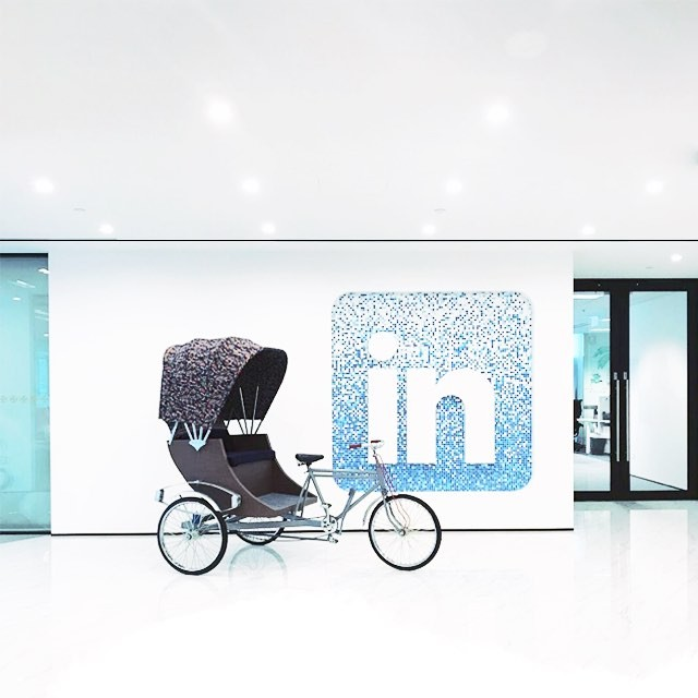 @Linkedin at its core is a platform for professional branding. Fancy a tour? Details on the website. 👉🏼www.lesliebayona.in/sights . . . . . . . #branding #office #tech #technology #LinkedIn #offices #logo #architecture