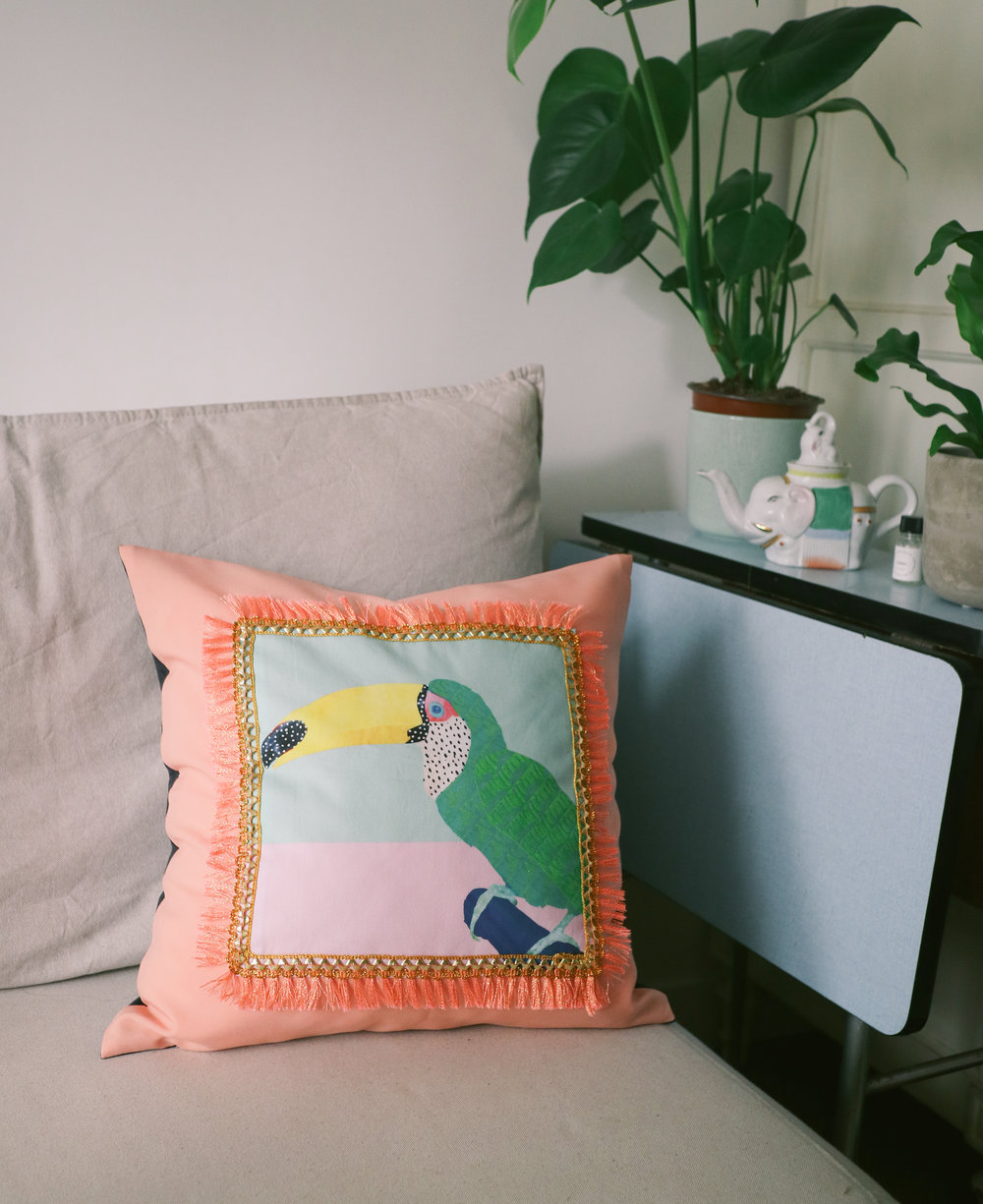 Chilling Toucan Peach