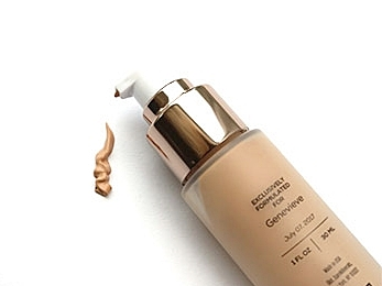 Foundation Made For Your Face. Literally.