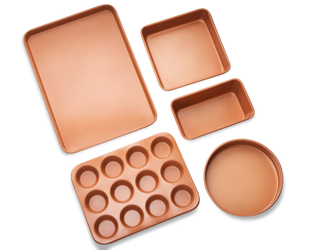 5 Piece bakeware set (pictured above)