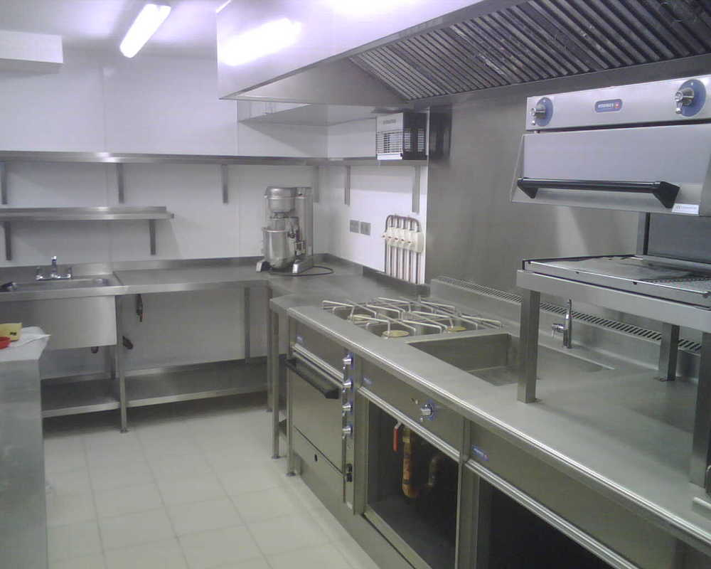 St Tropez Kitchen 2.jpg