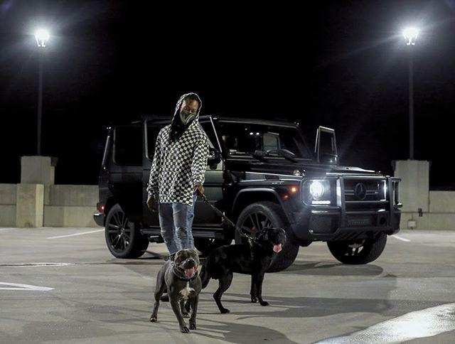 'we're all in too deep.. playing for keeps, don't play us for weak' ⛓ • • • • • • • • • • • • • • • • • • • • • • @jeniseyyyy @papiversacee @adariiius #vcxclusives #potd #photography #streetphotography #streetstyle #accessorydesign #productiondesign #gwagon #tank #dopecars #pitbulls #pitbullsofinstagram #dogsofinstagram #patterns #newmusic #newwave #newartists #dope #customcars #mercedesamg #matteblackauto #mercedes #benz #amg #benzwagon #mercedesbenz #mercedesgwagon #matteblackrims #theviciouscommittee