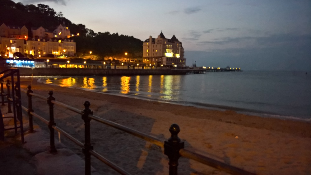 llandudno-at-night