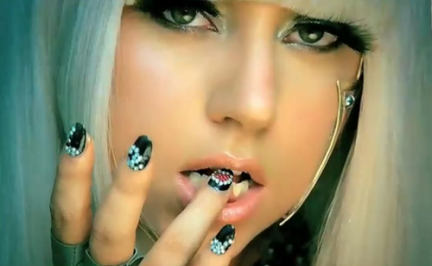 lady-gaga-nail-art