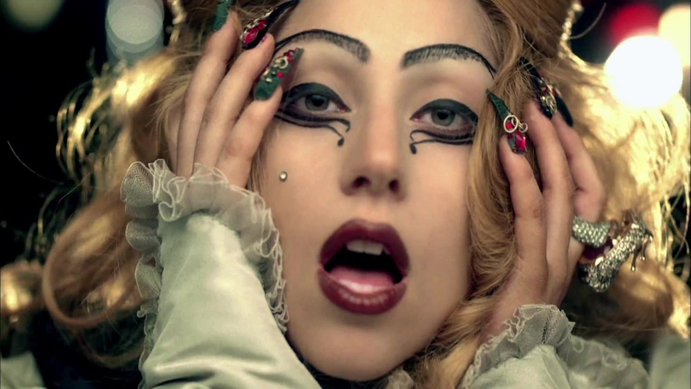 lady-gaga-judas-nail-art