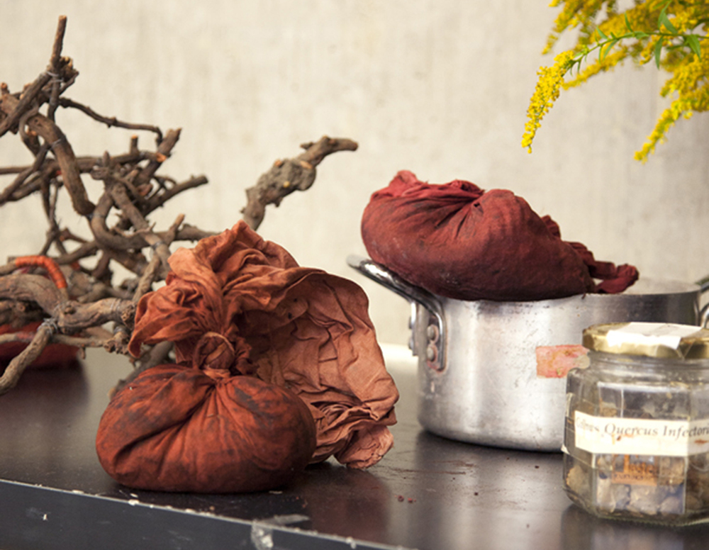 Natural dyeing showcased at the Victoria and Albert Museum