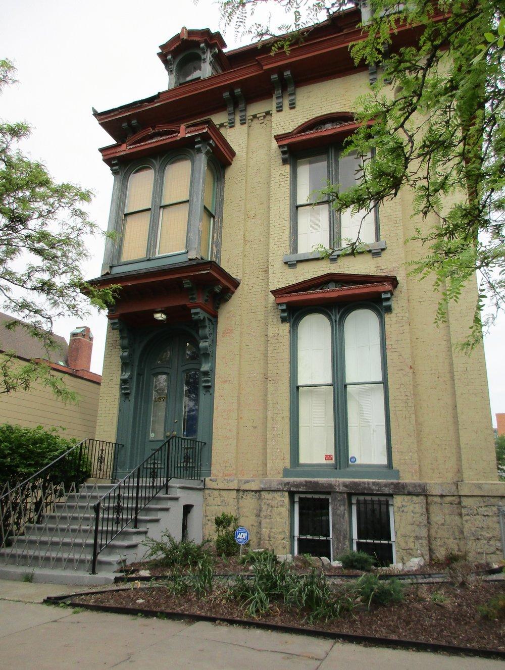 Newell House - 457 James Street