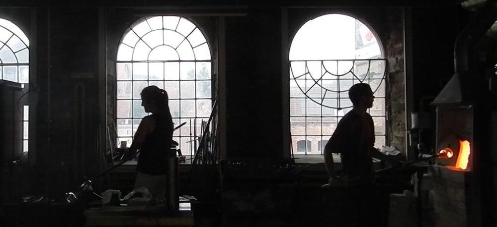 Atelier-soufflage-de-verre-1024x469.jpg