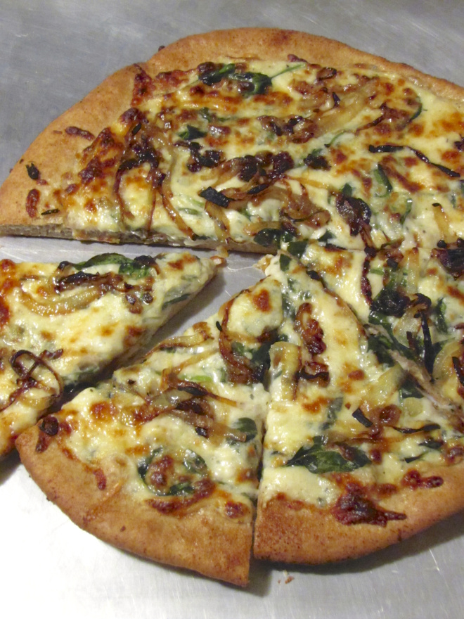 Spinach and Caramelized Onion Pizza with White Sauce