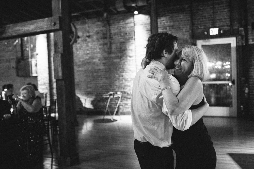 cannery ballroom nashville night-time wedding photography dark beautiful documentary ©2016abigailbobophotography-17.jpg