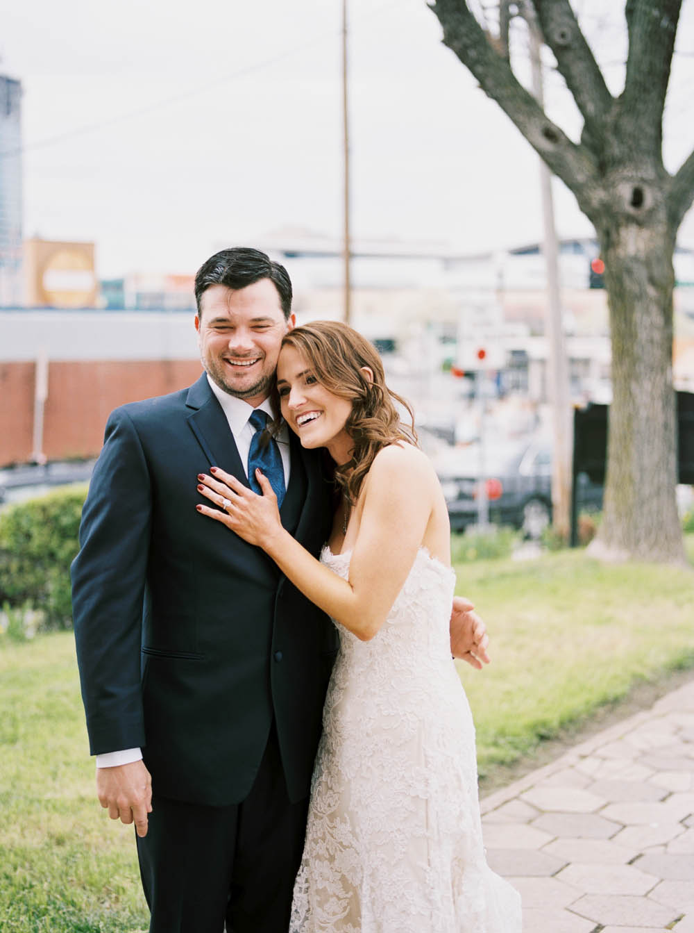nashville downtown aVenue wedding photographers documentary natural real moments ©2016abigailbobophotography-22.jpg