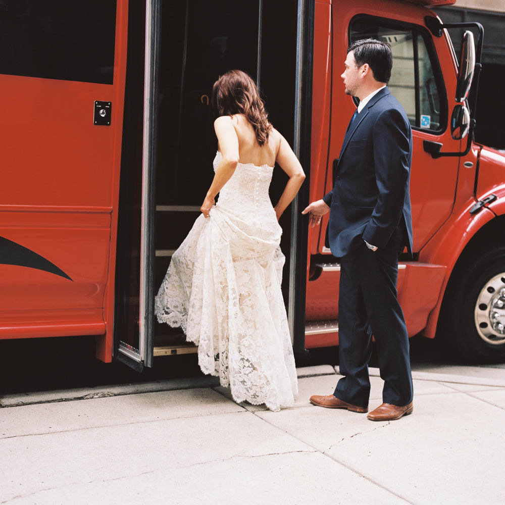 nashville downtown aVenue wedding photographers documentary natural real moments ©2016abigailbobophotography-30.jpg