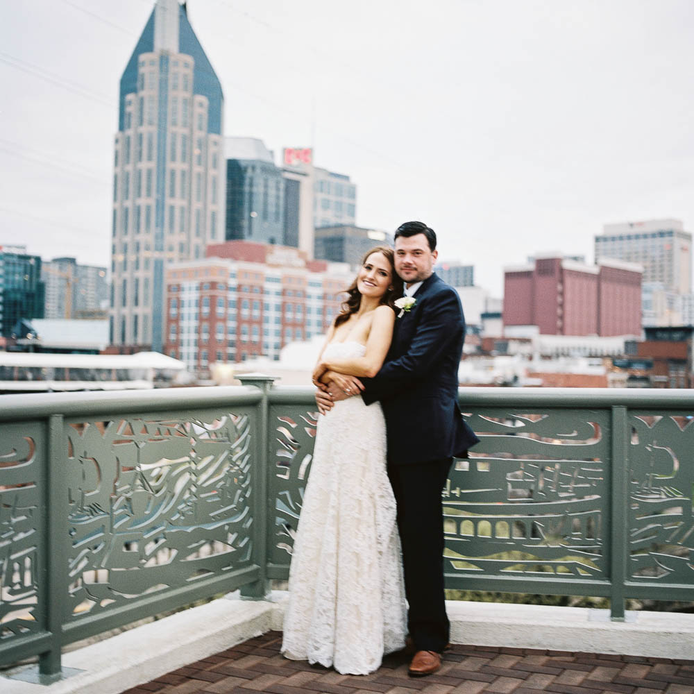 nashville downtown aVenue wedding photographers documentary natural real moments ©2016abigailbobophotography-48.jpg
