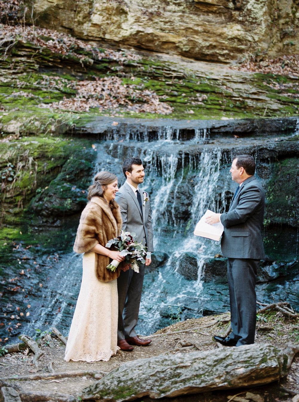 laurel+kelly_natchez_trace_grays_on_main_franklin_film_wedding_photographers©2017abigailbobophotography-8.jpg