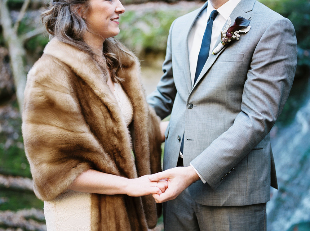 laurel+kelly_natchez_trace_grays_on_main_franklin_film_wedding_photographers©2017abigailbobophotography-11.jpg