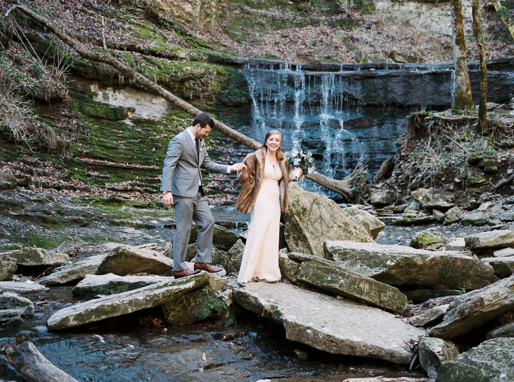 laurel+kelly_natchez_trace_grays_on_main_franklin_film_wedding_photographers©2017abigailbobophotography-19.jpg